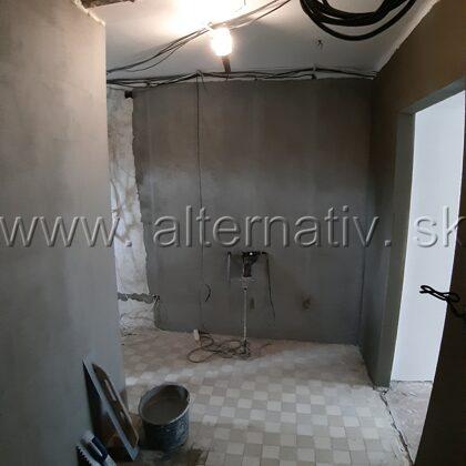 z dvoch izieb tri, prerobenie bytu