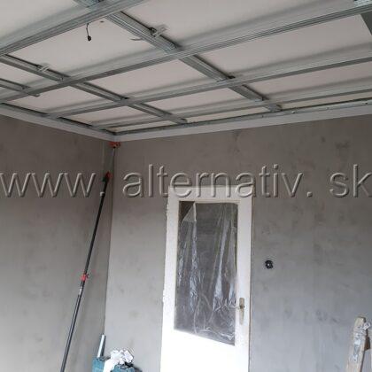 znížený strop, izba
